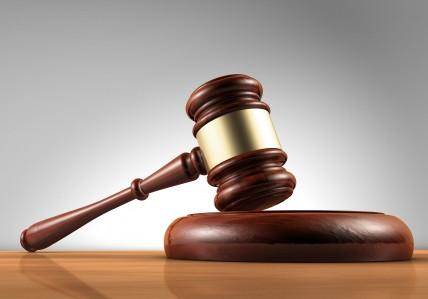قاض يطلق امرأة ويعتبرها مرتدة وشيخ الاحمدية يطالب الرئيس بالتدخل